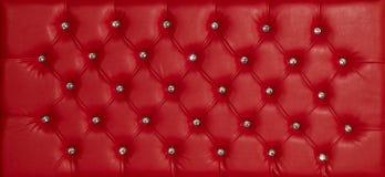 Красным роскошным кожаным предпосылка обитая диамантом Стоковое Фото