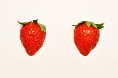 2 красных зрелых клубники Стоковое Изображение