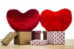 2 красных сердца и коробки велюра Стоковое Фото