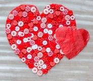 2 красных сердца на предпосылке Стоковая Фотография
