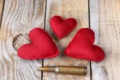 3 красных сердца сделанного вручную Стоковое фото RF