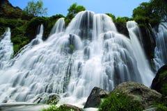 Красота водопада в Кении на Момбасе на океане Индии стоковая фотография