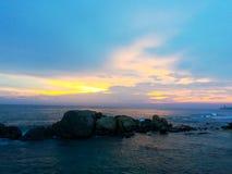 Красота захода солнца на пляже Стоковое Изображение RF
