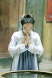 Красота китайской классики в традиционном платье Hanfu делает желание Стоковое Изображение RF