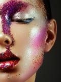 Красота, косметики и состав Взгляд волшебных глаз с ярким творческим составом Стоковое Фото