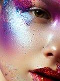 Красота, косметики и состав Взгляд волшебных глаз с ярким творческим составом Стоковые Фото