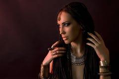 Красота моды и стильные волосы Состав Красивая сексуальная женщина Стоковые Изображения RF