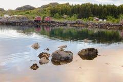 Красота северных гор и океана Норвегии Стоковые Фотографии RF