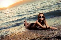 Красотка на пляже Стоковое фото RF
