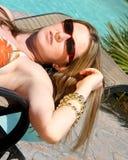 красотка sunbathing Стоковые Фотографии RF