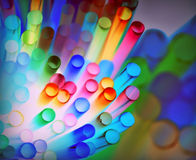 Красочная абстрактная предпосылка с различные выпивая соломы стоковое фото