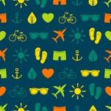 Красочная безшовная картина с различными элементами, тема лета Стоковые Изображения