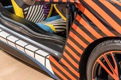 Красочная быстрая деталь автомобиля спорт на колесе и двери Стоковое фото RF