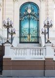 Красочная дверь Chakri Mahaprasat Стоковые Изображения