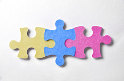 Красочная головоломка соединяет выровнянный и скрепленный Стоковое фото RF