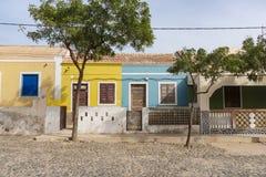 Красочная жилая перспектива горжетки Fundo das Figueiras домов стоковое изображение rf