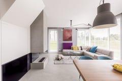 Красочная и современная комната дня Стоковое Фото