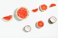 Красочная картина плодоовощ свежих арбуза, кокоса и grapefru Стоковое фото RF