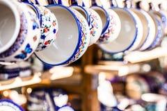 Красочная керамика в рынке заполированности traditonal. стоковое изображение