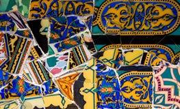 Красочная мозаика на флигеле ¼ парка GÃ, Барселона стоковое изображение rf