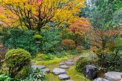 Красочная осень на Koto-в виске в Киото Стоковое Изображение