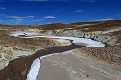 Красочная долина в андийских горах, Боливия Salt River Стоковые Фото