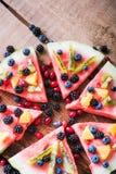 Красочная пицца арбуза тропического плодоовощ покрыла с киви, стоковое фото rf
