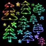 Красочная рождественская елка сделанная бенгальским огнем на черноте Стоковое Изображение RF