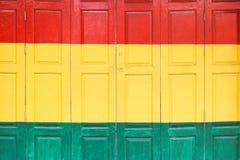 Красочная складная деревянная дверь стоковое фото rf