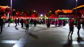 красочная сцена ночи города Китая XiAn & пагоды dayan сток-видео
