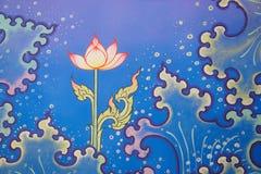 Красочная тайская традиционная настенная живопись виска картины, волна воды, лотос Стоковые Фотографии RF