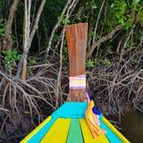 Красочная шлюпка на реке стоковое фото