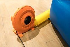 Красочная электрическая воздуходувка воздуха для коммерчески раздувного хвастуна стоковое изображение