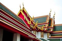 Красочное верхней части крыши церков Будды стоковое изображение rf