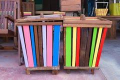 Красочное деревянное мусорное ведро Стоковые Фотографии RF