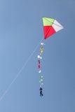Красочное летание змея в голубом небе Стоковая Фотография