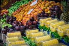 Красочное изображение с свежими фруктами на рыночном мести стоковые изображения rf