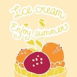 Красочное мороженое в карточке лета шара Стоковые Изображения RF