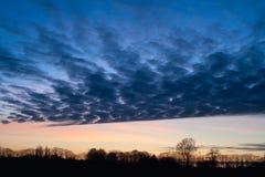 Красочное небо заходом солнца стоковая фотография rf