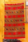 Красочное оранжевое мексиканское одеяло San Miguel de Альенде Мексика стоковое изображение