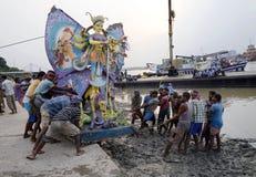 Красочное Durga на Ghat стоковое изображение rf