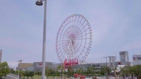 Красочное Ferris катит внутри токио Odaiba - ТОКИО/ЯПОНИЮ - 12-ое июня 2018 видеоматериал