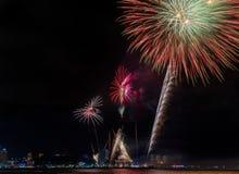Красочное firewok на фестивале фейерверка Internationa в Pattay стоковая фотография