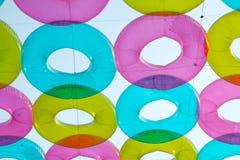 Красочное lifebuoy, украшенный, висящ в воздухе, на пэре Maharaj Стоковые Изображения