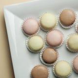 Красочное Macaron в конце вверх стоковые изображения rf