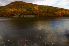 Красочные ландшафты пейзажа падения стоковое фото rf