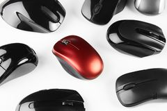 Красочные беспроволочные mouses изолированные на белой предпосылке Стоковое Изображение RF