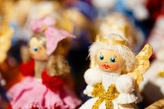 Красочные белорусские куклы соломы на рынке в Беларуси Стоковое фото RF
