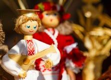 Красочные белорусские куклы соломы на рынке в Беларуси Стоковая Фотография