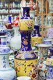 Красочные вазы на китайском рынке Стоковая Фотография